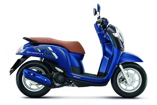 scoopy-club-12-blue-8506FC70273-F51B-6F78-EDBD-9F17A94D4FB0.jpg